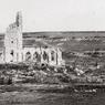 Les Allemands s'emparent dès octobre 1914 d'Albain Saint-Nazaire, haut lieu des batailles d'Artois, et position stratégique au pied du plateau de Notre-Dame de Lorette. Les troupes françaises n'auront de cesse de reconquérir cette colline dans des combats qui firent 100000 tués et autant de blessés des deux côtés.
