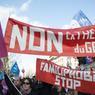 La polémique sur l'enseignement supposé de la «théorie du genre» à l'école se retrouve dans les slogans brandis par les manifestants dimanche. Sur les bannières apparaît aussi l'accusation de «familiphobie», portée contre le gouvernement.