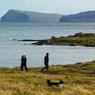 Les Féroé offrent une nature presque vierge: ici au sud de l'île de Streymoy, les sentiers dévoilent des paysages mis valeurs par les lumières nordiques.