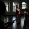 Gwen Rakotavao (gauche) a créé sa propre compagnie de danse et répète sa 1e longue chorégraphie d'une heure qui se produira en octobre à New York. ©Benjamin Petit/Haytham