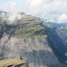 Grâce à ce cliché réalisé à Trolltunga (Norvège), Simon Pingeon remporte le concours Le Figaro/Aguila voyage photo. Découvrez dans ce diaporama une sélection des plus beaux clichés réalisés par nos internautes.