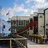 Queenstown, cette petite ville colorée pleine de charme est construite autour d'une anse sur le lac Wakatipu.