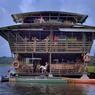 Au fil de l'eau, à bord de l'écolodge Caïman, le marais de Kaw démontre que l'enfer guyanais n'est plus ce qu'il était.