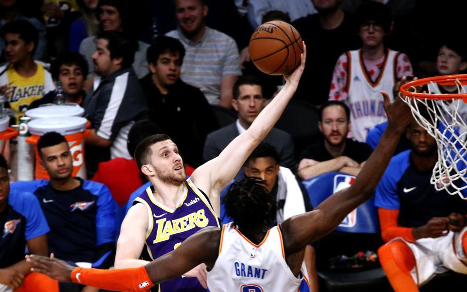 Les Lakers enchaînent sans LeBron, Denver se relance