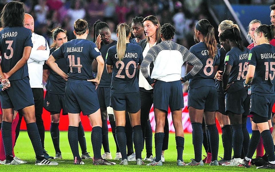 Coupe du monde féminine 2019 : après l'échec, l'horizon reste bleu pour Corinne Diacre