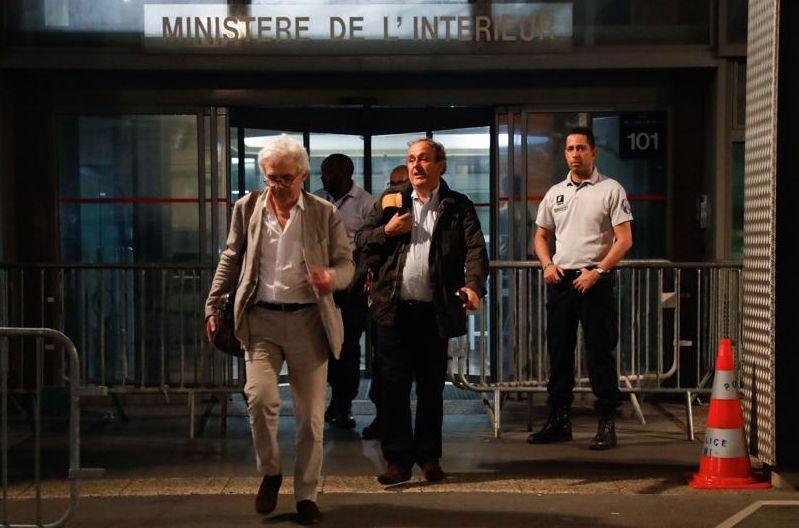 Platini, après sa garde à vue : « Ça fait mal »