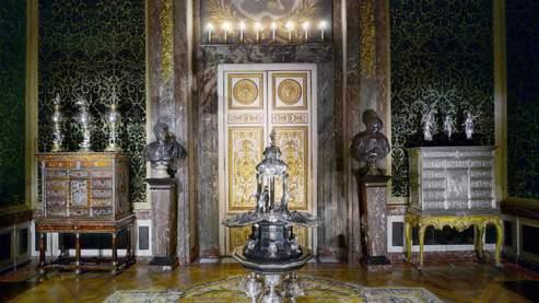 Le Petit Chateau Room Service