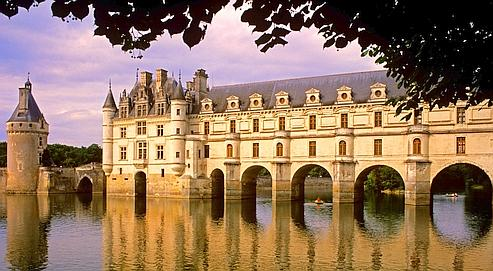 Qui appartient le ch teau de chenonceau for Chateau chenonceau interieur