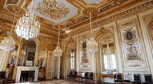 L 39 avenir incertain de l 39 h tel de la marine for Salon du mobilier paris
