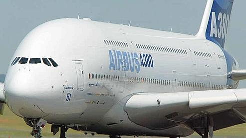 Airbus pourrait perdre une commande de dix a380 for Avion airbus a380 interieur