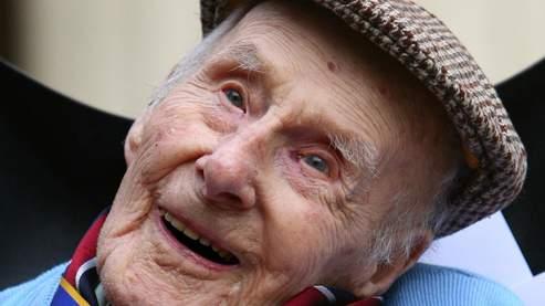 Le plus vieil homme du monde dispara t - L homme qui lit le plus vite au monde ...