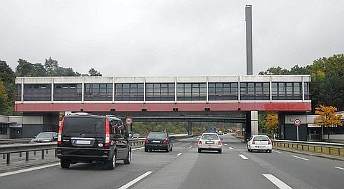 Checkpoint bravo un morceau de guerre froide aux ench res - Ikea adresse belgique ...