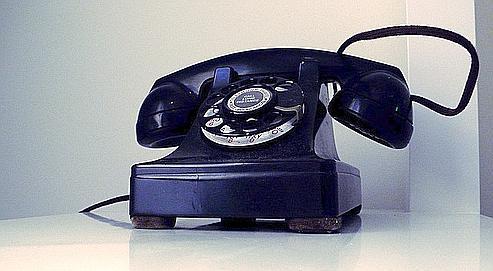 societes  ARTFIG france telecom lache du lest sur le telephone fixe