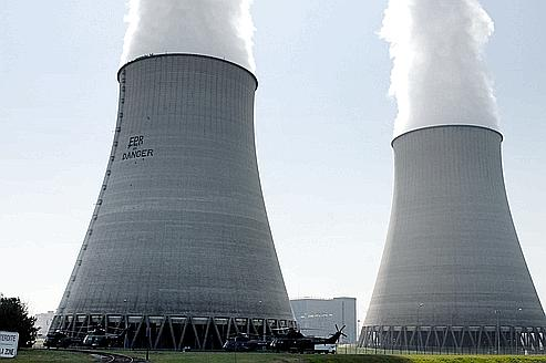 cheminee de centrale nucleaire