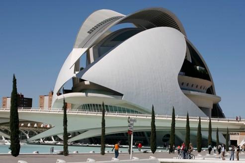 Valence la ville de tous les exc s au bord de la faillite - Piscine valencia espagne ...