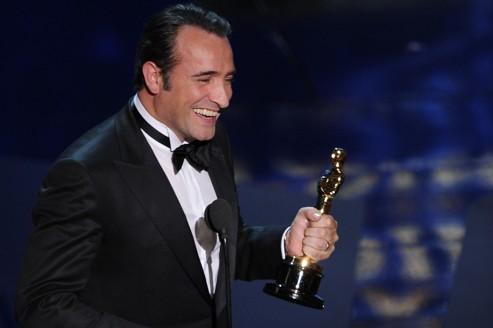 Oscars 2012 the artist et jean dujardin triomphent for Oscar jean dujardin