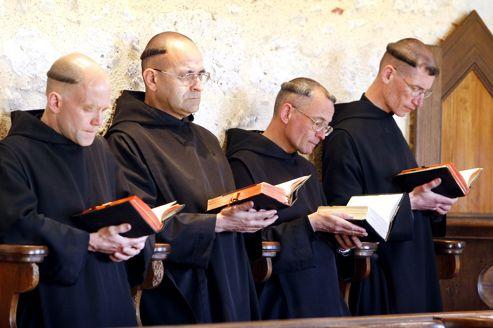 Resultado de imagem para moines bénédictins