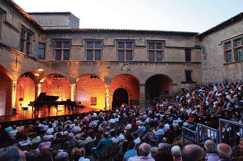 La musique de chambre rayonne en provence - Chateau salon de provence ...