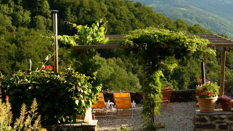 Auvergne nos plus belles chambres d 39 h tes for Les plus belles terrasses