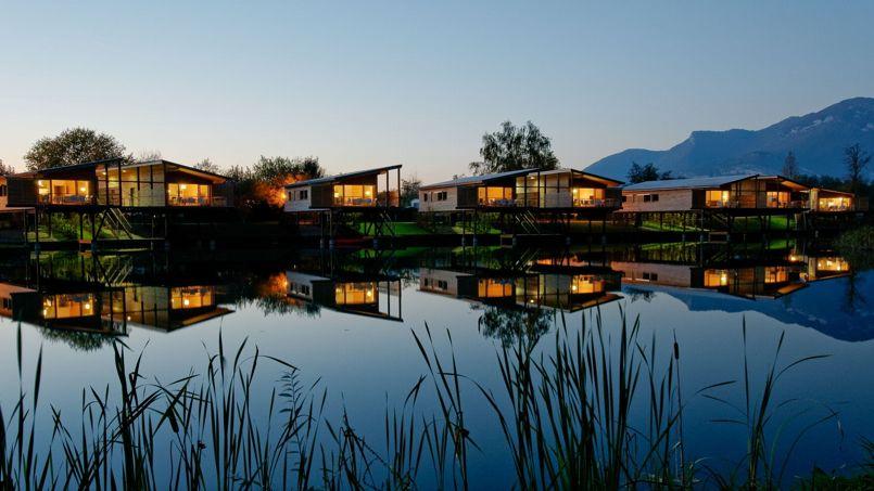 les 5 cabanes sur l 39 eau. Black Bedroom Furniture Sets. Home Design Ideas