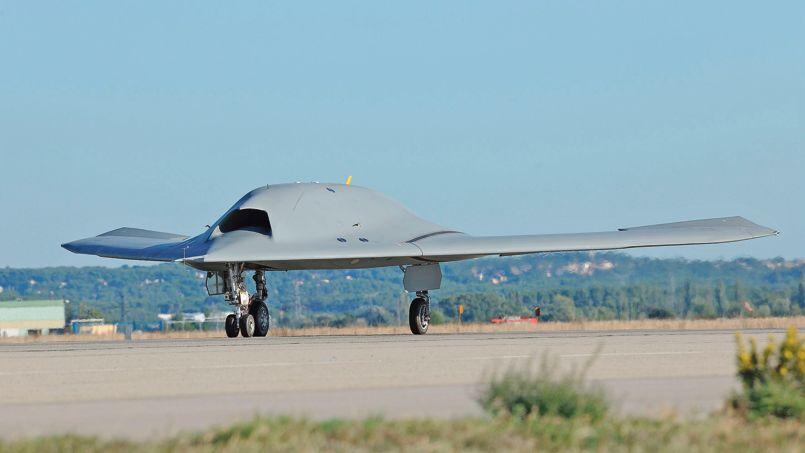 Drone le neuron en premi re mondiale for Salon aviation bourget