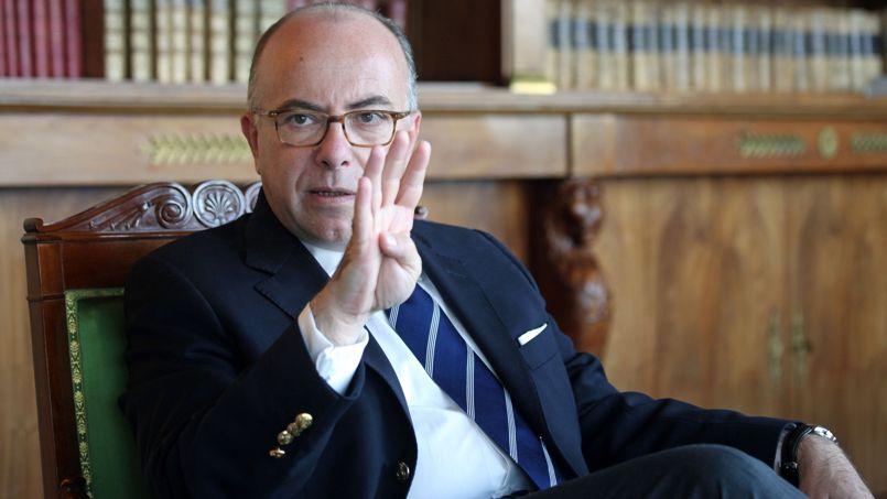 prim-ministrul-francez-bernad-cazeneuve-si-a-inaintat-demisia-