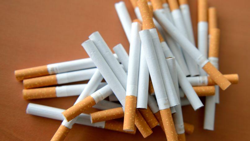 cigarettes hausse des prix de 20 centimes le 6 janvier. Black Bedroom Furniture Sets. Home Design Ideas