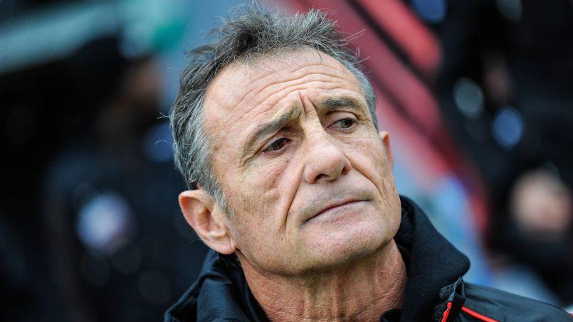 Guy nov s se mue en avocat du xv de france et critique les for Interieur sport guy noves