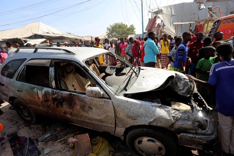 Au moins 30 morts dans un attentat à la voiture piégée — Somalie