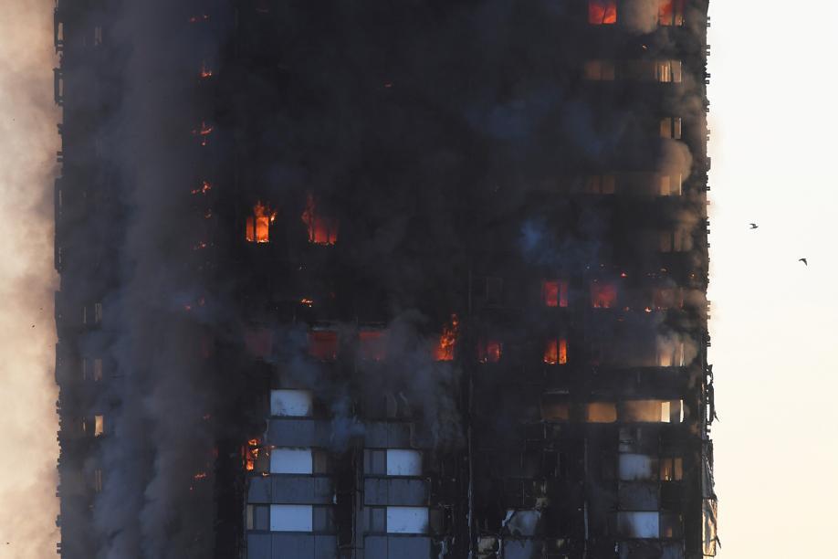 58 personnes disparues présumées mortes, selon un nouveau bilan — Incendie de Londres