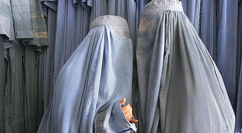 femmes niqab burqa