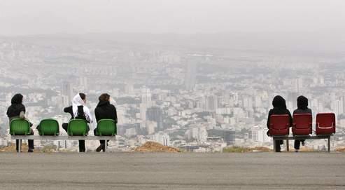 La société iranienne, en quête d'une nouvelle voie