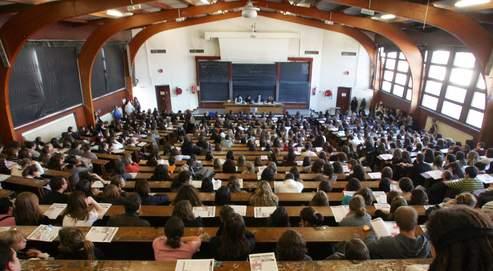 Les jeunes diplômés subissent toujours la crise