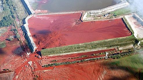 La Hongrie craint une nouvelle coulée de boue rouge