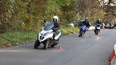 De nouvelles règles pour la conduite des 125 cm³ et des trois-roues