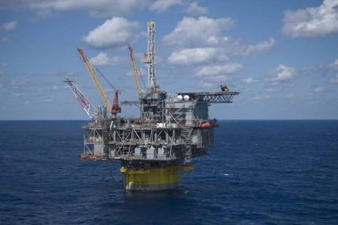 Pétrole : Shell autorisé à forer au large de l'Alaska