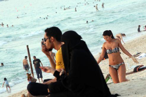 Les Émiratis se mobilisent contre les mœurs occidentales