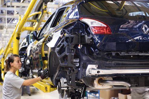 Renault accroît la pression sur ses usines françaises
