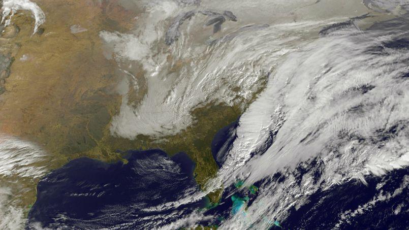 Une alerte au blizzard a été lancée par le National Weather Service pour New York et les zones environnantes à compter de lundi après-midi. Toute la région, du Maine à la Pennsylvanie, doit s'attendre à deux journées de tempête hivernale.