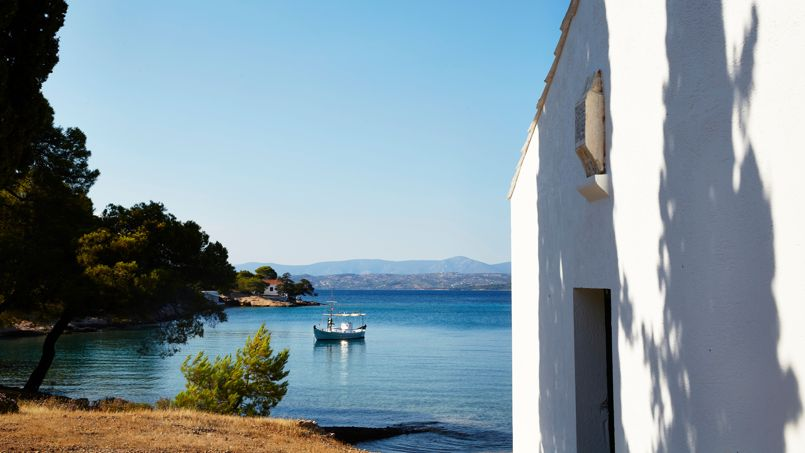 Spetses, une île élégante et enjouée, prisée par les armateurs et la haute société athéniene: ici, la baie de Zogeria.