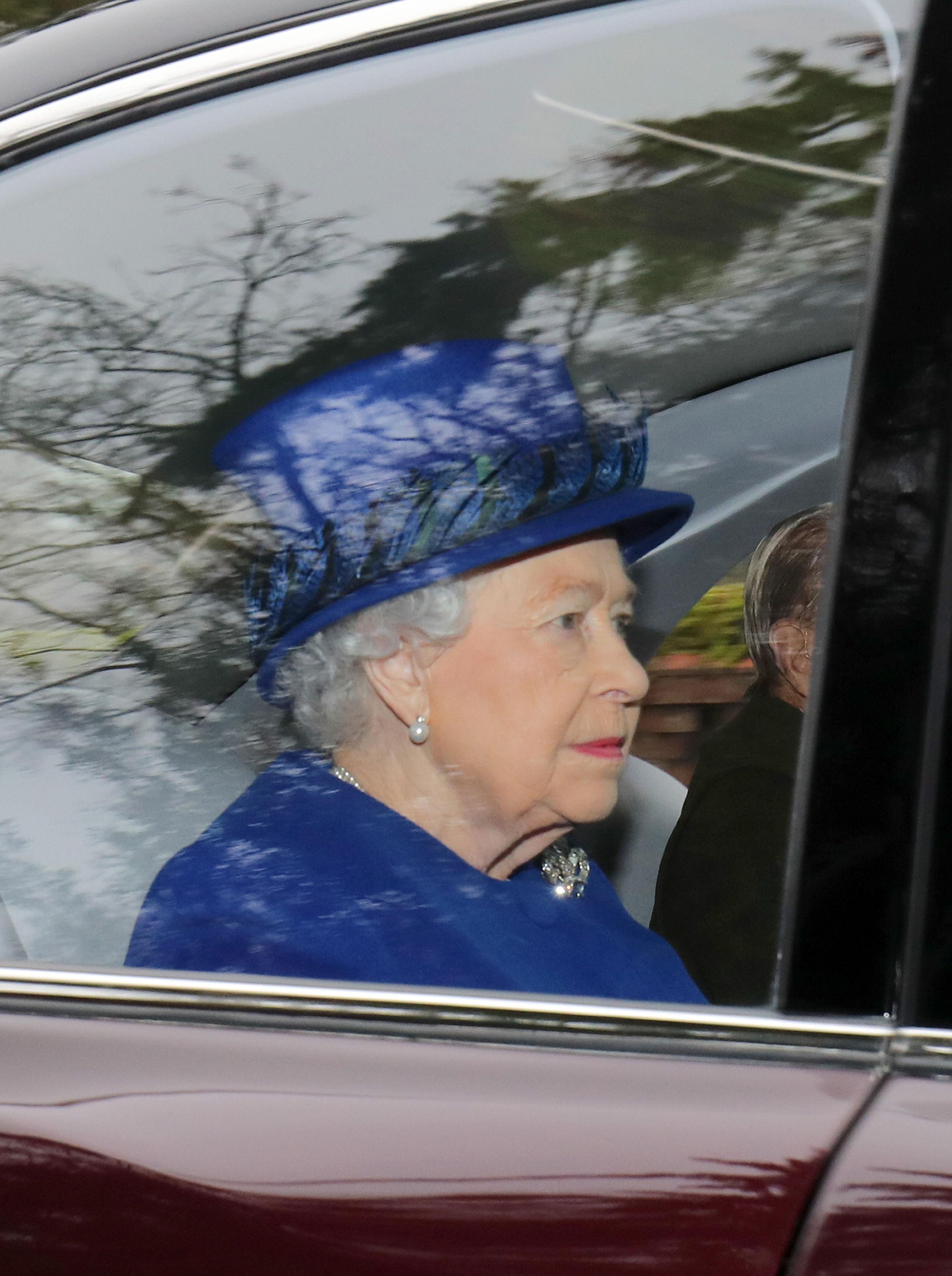 La première sortie d'Elizabeth II depuis son