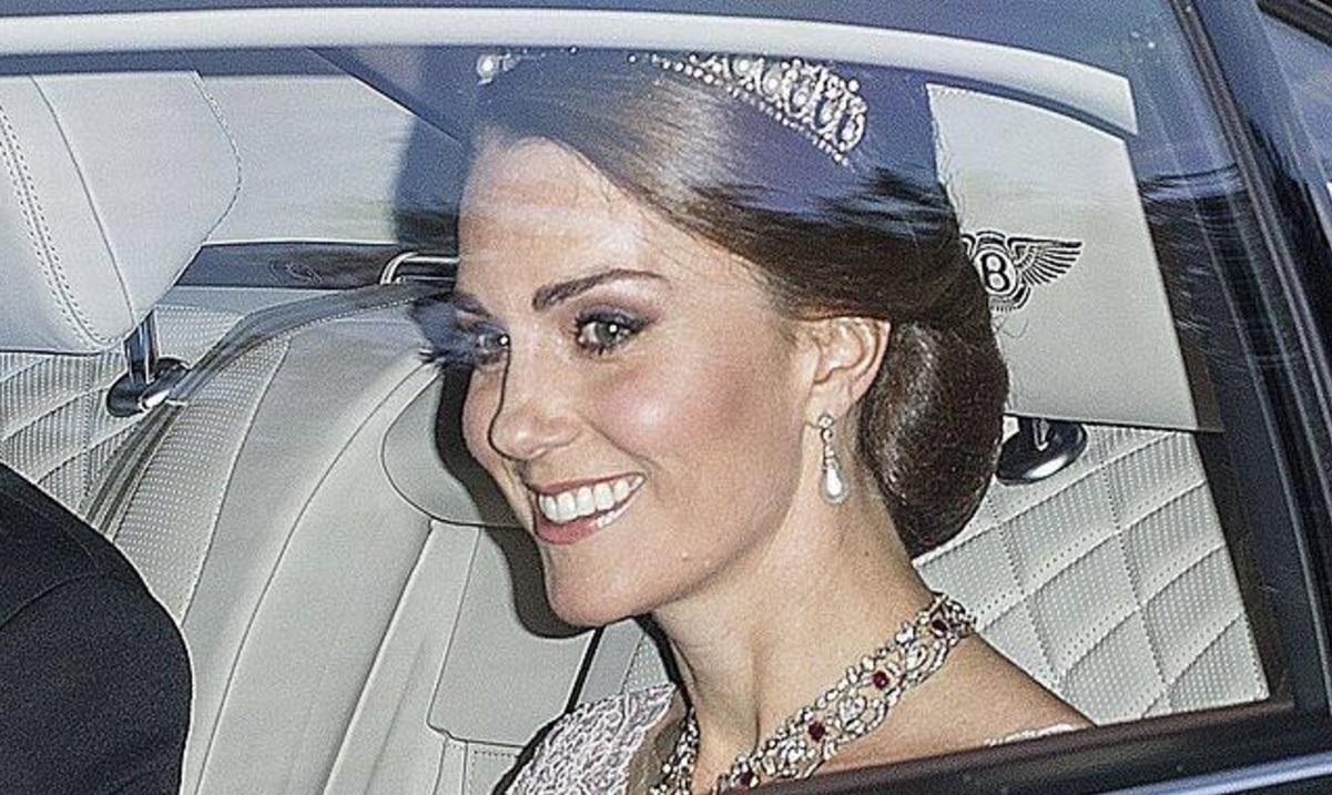 Kate Middleton et la tiare Lover's Knot au banquet du 12 juillet 2017