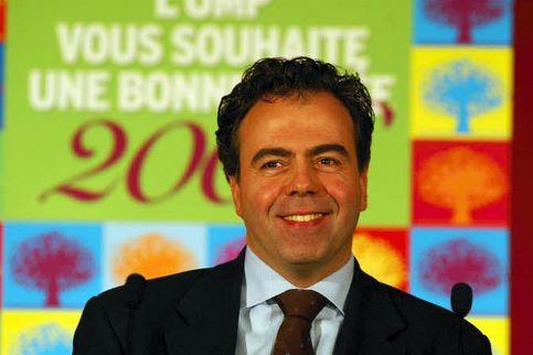 Luc Chatel. Le secrétaire d'Etat à la Consommation est l'autre «conquérant» du gouvernement. Il reprend au premier tour Chaumont (Haute-Marne), tenu par la gauche depuis 2001, avec 56,15%.