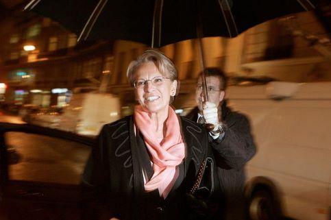Michèle Alliot-Marie. A Saint-Jean-de-Luz (Pyrénées-Atlantiques), la ministre de l'Intérieur remporte 55.56% des suffrages au premier tour. Tête de liste, elle avait cependant indiqué qu'elle ne serait pas maire.