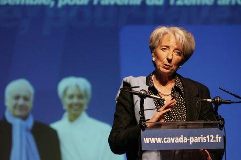 Christine Lagarde. Avec 35.23%, le tandem formé par Jean-Marie Cavada et la ministre de l'Economie et des Finances, n'a pas convaincu dans le XIIe arrondissement de Paris.