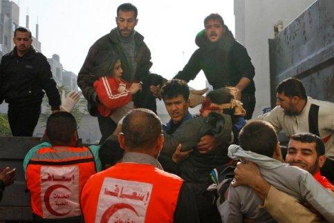 Côté palestinien, au moins 23 personnes ont été tuées depuis le début de l'offensive terrestre. Selon un décompte de médecins palestiniens, trois des victimes sont des combattants du Hamas, les autres étant des civils. Au total, l'opération