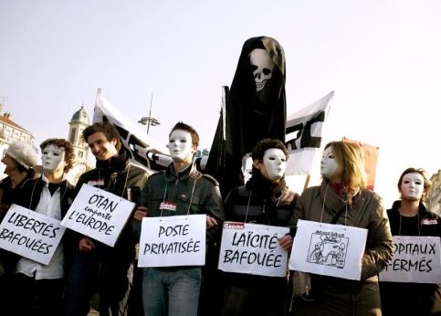 Environ 25.000 et 40.000 personnes ont défilé dans le calme à Lyon.