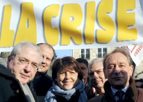 Martine Aubry (entourée du maire de Paris Bertrand Delanoëet du président socialiste de la région Île-de-France Jean-Paul Huchon) est venue les saluer et a assuré que
