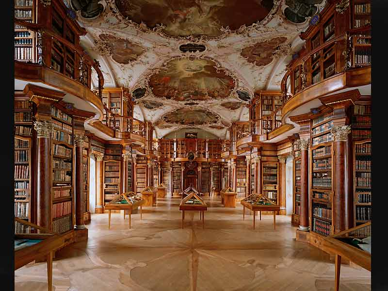 Bibliothèque de l'Abbaye de Saint-Gallen, Suisse.