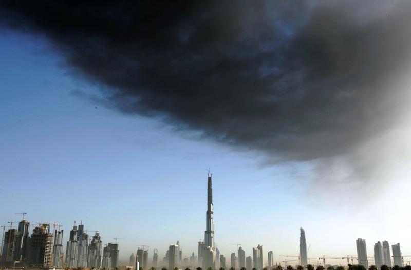 Des grues et des tours à perte de vue : voilà ce qui fait le paysage de Dubaï depuis plusieurs années. L'émirat espère devenir, d'ici quelques années, la première destination mondiale du tourisme de luxe et l'un des pôles internationaux du tourisme d'affaires.